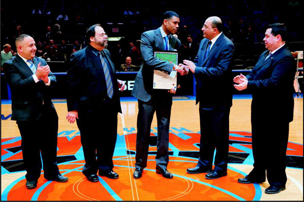 df0cdcc3c JewishPost.com - State of Israel Honors Knicks  Allan Houston with ...