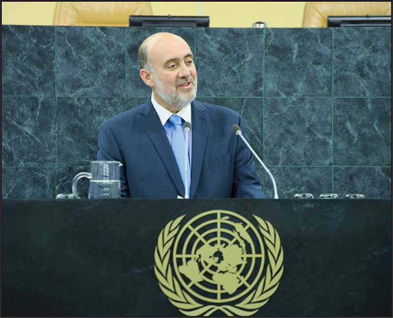 Israeli Ambassador to the UN, Ron Prosor, addressing the UN General Assembly on the UN Holocaust Remembrance Day.        UN Photo/Rick Bajornas